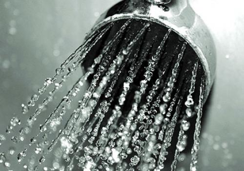 Cómo hacer que tu ducha diaria sea también terapéutica